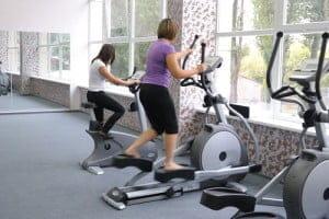 Эллиптоидный тренажер и велотренажер нужны для здоровья.